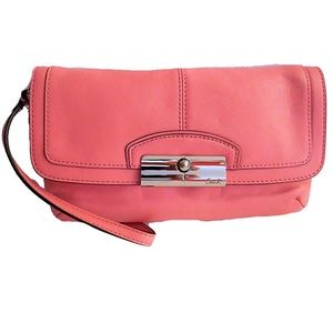 KRISTIN LEATHER FLAP WRISTLET